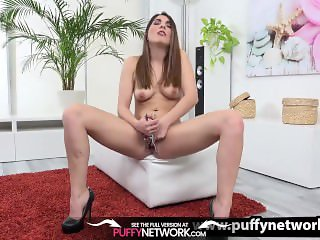 Wetandpuffy - Gorgeous Jimena fills her puffy pussy with a pink dildo