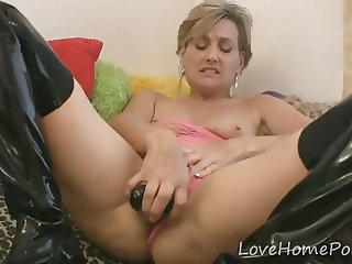 Milf in latex boots loves to masturbate
