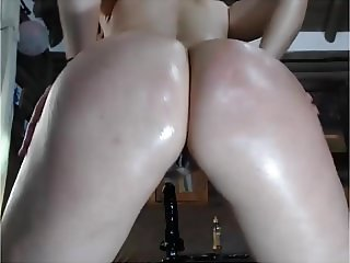 So many squirts I can't count! Big Oiled Ass Thick Pawg