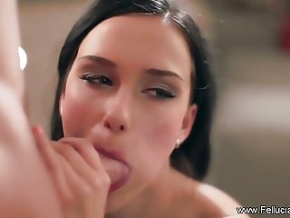 Artistic CFNM Blowjob Experience From Fellucia Blow