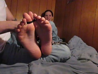Tickling my girlfriends feet (With faceshot) and brushes