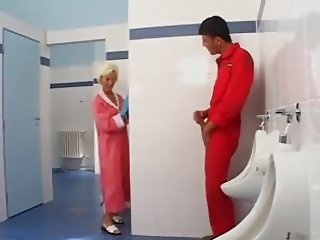 hot milf in the toilett