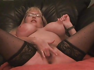 Cam woman squirts