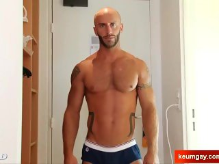 Handsome delivery guy getting to wank his huge cock on video !
