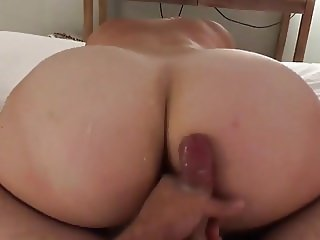 24yr old bubble butt girlfriend riding boyfriend