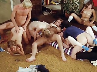 ORGYMIKE: Hot young girls in orgy