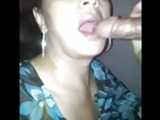 Mature mom sucked and received sperm in her mouth.