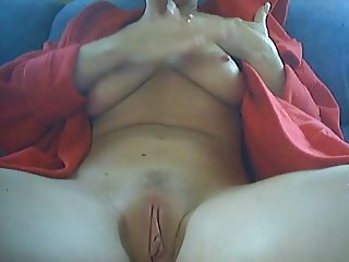 Woman on her period masturbates with dildo