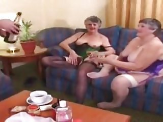 GRANNIES TOYING AND FUCKING
