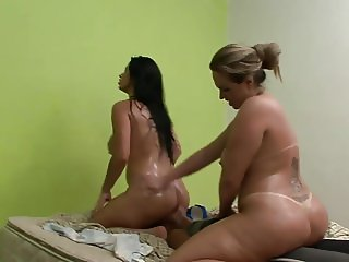 Brazilian face sitting 3 ( Full Scene )