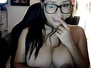 Cam flashing Latina Cums Over and Over 5