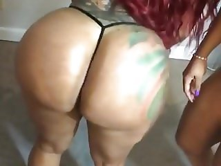 Double Dose twins oily twerking