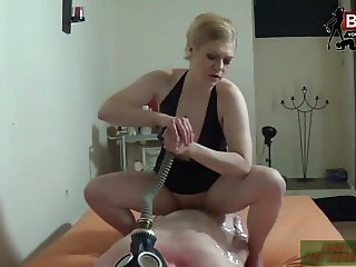 Brutal deutsche BDSM Domina Milf mit Folie u athem reduction