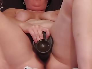 Girls Amateur Housewife and her Monsterdildo