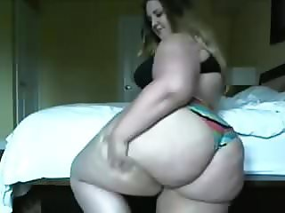 fatty stuffing her face.mp4