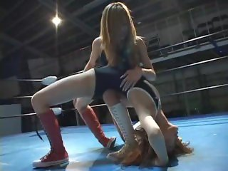 japanese high schoolgirls wrestling
