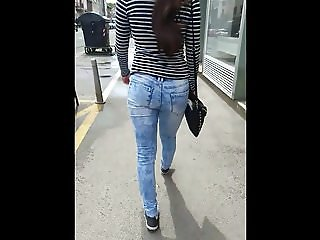 Nice Teen Ass In Jeans Candid 18.05.2018.