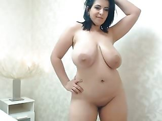 Arab bitch on webcam