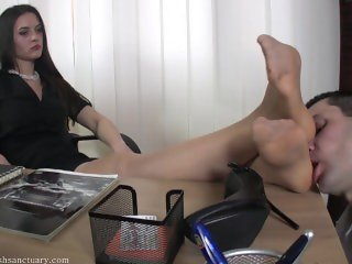 FFS goddess amanda nylon feet worship in the office