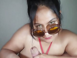 Cute eyes blowjob and swallow