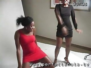 african girls dancing