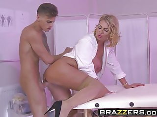 Brazzers - Doctor Adventures - Leigh Darby Chris Diamond