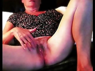 Gilf Anita playing with my wet pussy