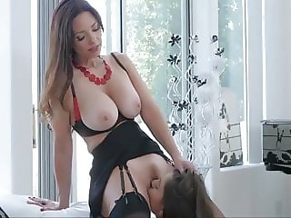 Milf and young girl have hot sex