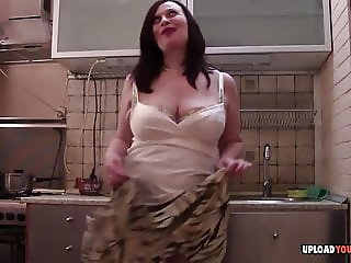 BBW takes off her clothes before she masturbates