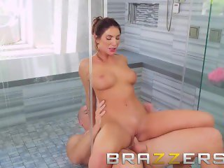 Brazzers - August Ames&Sean Lawless - The Joys Of A Long Hot Shower