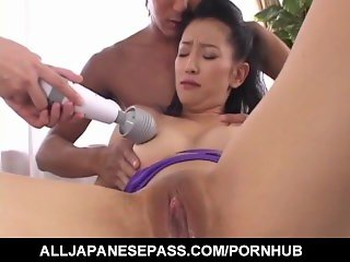 Yumi Shindo and wild threesome