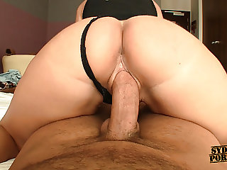 Marvelous Ass Twerking On Huge Cock!