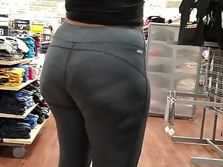 Plump Wide Booty Latina Showing Off