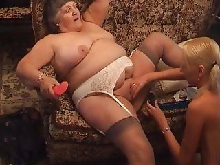 GRANNY TOYS BLONDE FRIEND