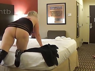 Hubby  likes to look at his wife blacked