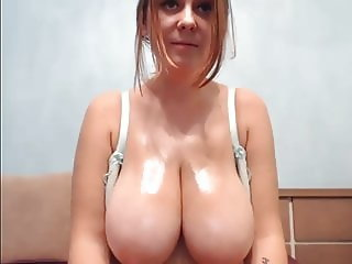 Huge Tits Play