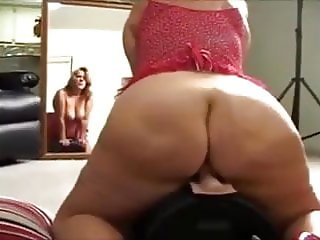 Fat ass Aralynn uses Saddle Machine
