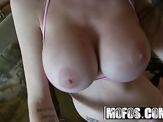 Emmanuelle London - Spread Her Open House - MOFOS