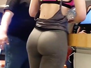 Yummy Fat Ass Teen in Leggings (PAWG)