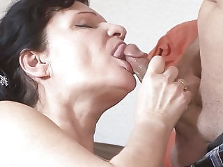 VODEU - Busty granny from Germany