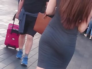 Candid Super Jiggly Wobbly Ass - Skin Tight Dress - Hot Pawg