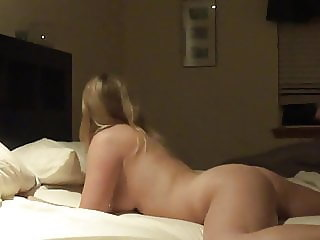 Amateur Wife Love Homemade Sex with Husband!