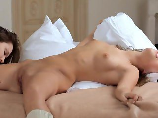 Two hot lesbians fucked each other