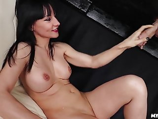 LOL Watch Her Reaction when he CUMS on her face  - Milf Cums