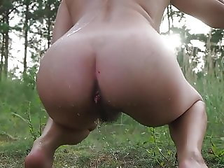 Hot Milf webcam swims pees and shows off while outdoors