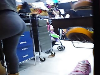culazo adolescente en leggings (nice ass teen in leggings)