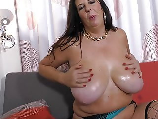 Luxury mature mother with hungry cunt