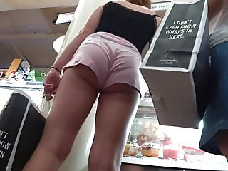 Perfect babe at the mall with great VPL