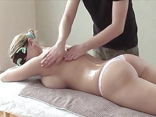 Seducing blindfolded girl & performing an incredible massage