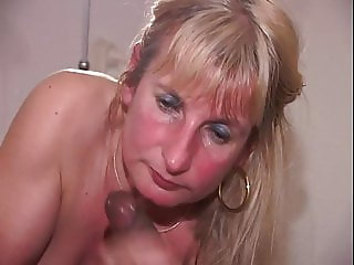39 3-3: Bukkake Gangbang Sperm Swallowing Facials Blowjobs